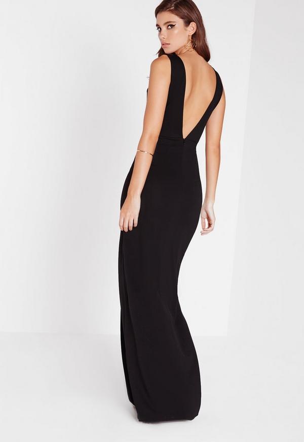Robe noire col v longue