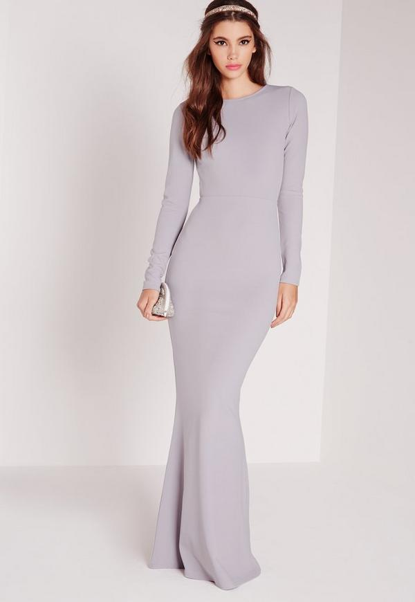 If you're a winter bride, it's also the best time for an ever-so-elegant long-sleeved dress. There is something inherently chic about a long-sleeved gown. They allow you to show off your curves with form-fitting silhoettes and even bare some skin - all while maintaining an enchanting allure.