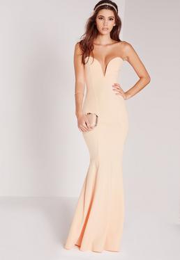 Beżowa długa sukienka syrena z głębokim dekoltem