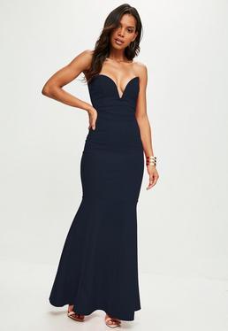 Granatowa długa sukienka syrena z głębokim dekoltem bez ramiączek