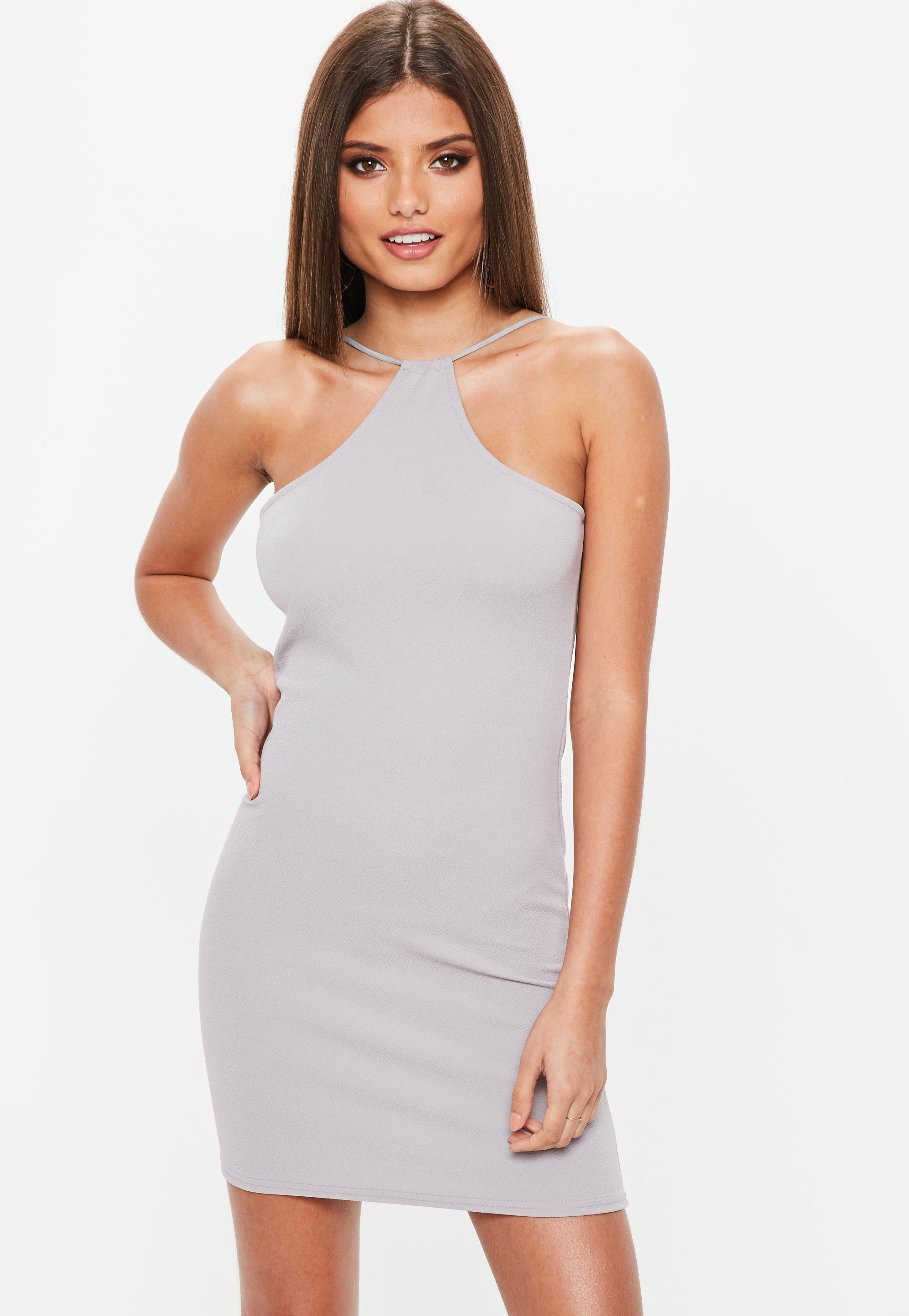 Figurbetontes Kleid mit Racerback in Grau | Missguided
