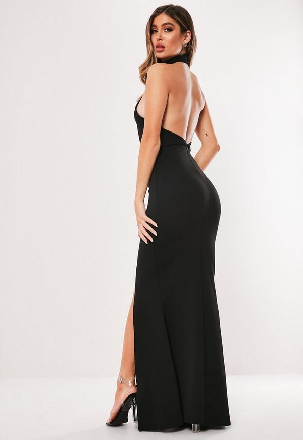 Vestido negro con cuello largo