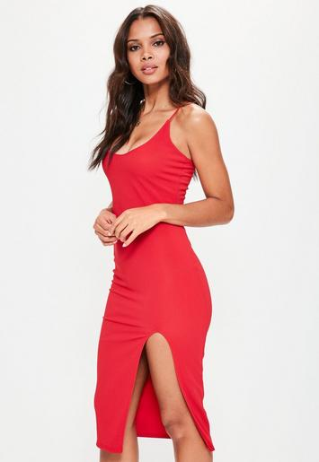 5a61805e166 Robe mi-longue rouge fendue