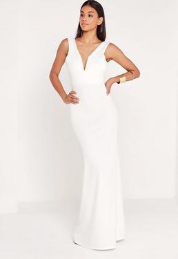 Vestido largo con escote en v en blanco