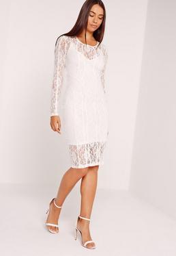 Robe mi-longue blanche en dentelle manches longues