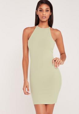 Zielona Prążkowana Sukienka z Kwadratowym Dekoltem od Carli Bybel