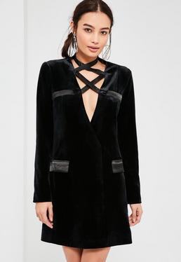 Czarna welurowa sukienka marynarkowa z wiązaniem na dekolcie