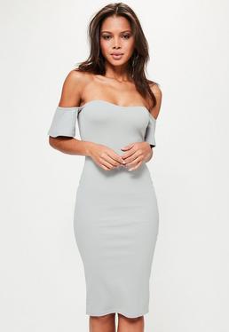 Szara sukienka midi bardot z falbanami