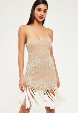Beżowa zdobiona sukienka premium z frędzlami