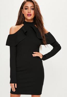 Czarna dopasowana sukienka z wyciętymi ramionami i falbanami