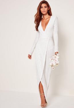 Ślubna biała zawijana sukienka maxi w paski z cekinami