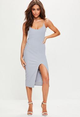 Szara sukienka na ramiączkach za kolano z rozcięciem