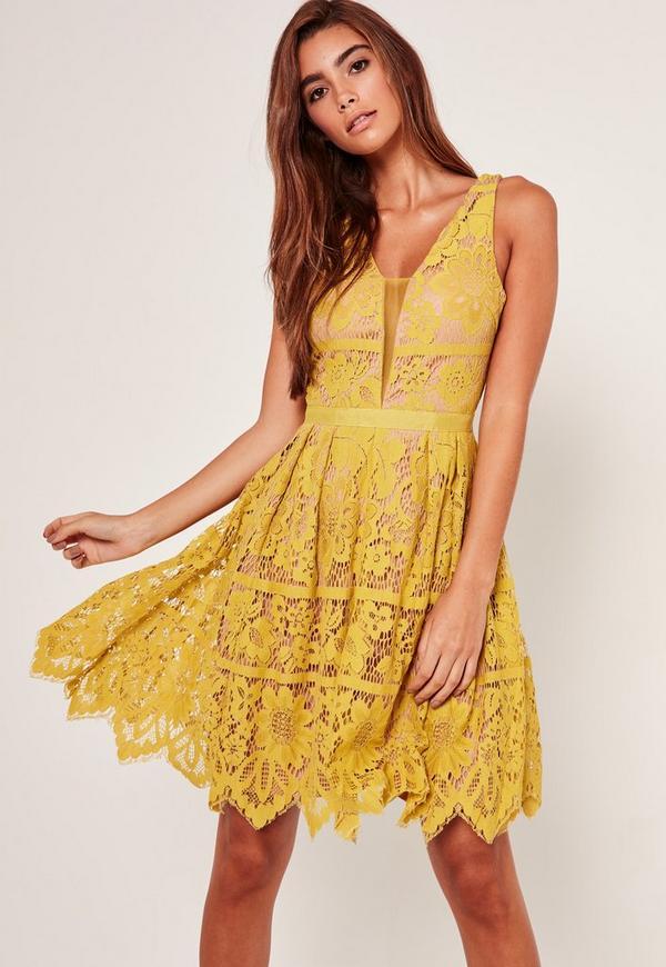 Kleid mit spitze gelb