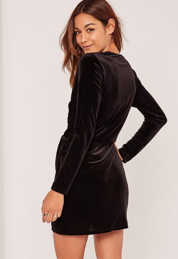 robe noire en velours style cache coeur missguided. Black Bedroom Furniture Sets. Home Design Ideas
