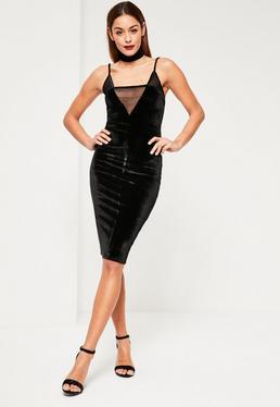 Czarna welurowa sukienk midi z siatką na dekolcie