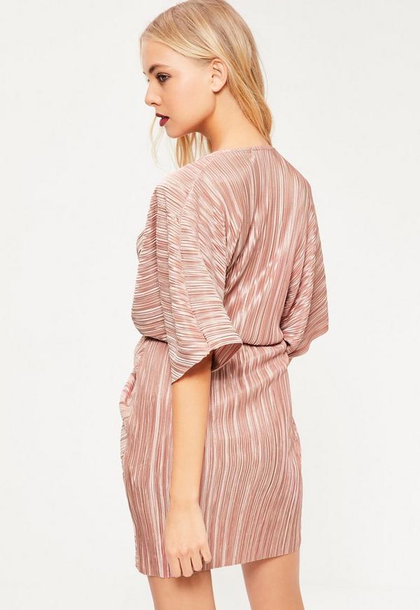 Vestido Kimono con Pliegues en Rosa | Missguided
