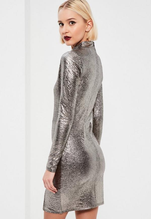 figurbetontes metallic kleid in silber missguided. Black Bedroom Furniture Sets. Home Design Ideas