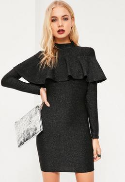 Czarna dopasowana metaliczna sukienka z ozdobną falbanką