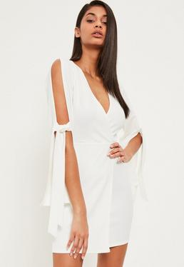 Robe portefeuille blanche ouverte aux manches