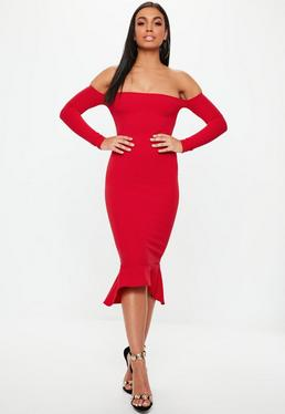 Czerwona sukienka bardotka w stylu syrena