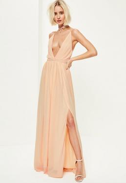 Beżowa plisowana sukienka maxi z głębokim dekoltem