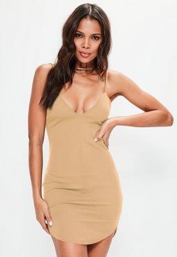 Figurbetontes Träger-Kleid mit tiefem Ausschnitt in Nude