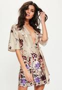 Vestido recto con estampado floral en nude