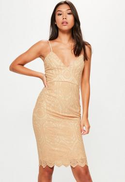 Beżowa koronkowa sukienka midi na ramiączkach