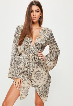 Seidiges Minikleid mit Kimonoärmeln und orientalem Print in Creme