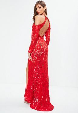 Robe longue fendue en dentelle rouge épaules dénudées