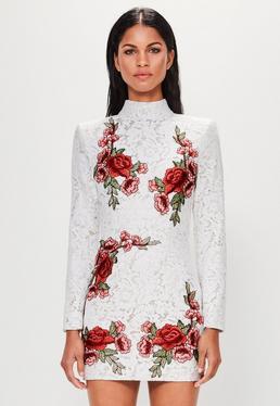 Peace + Love Vestido de cuello alto con rosas bordadas de encanje en blanco