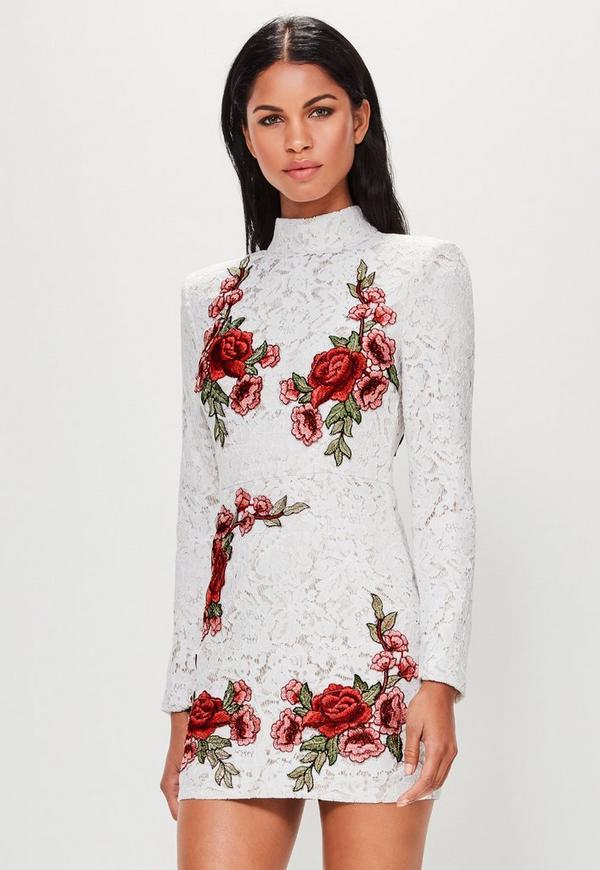 Resultado de imagen para rosas bordadas en vestidos