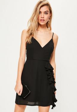 Schwarzes Crepe Kleid mit Rüschendetail