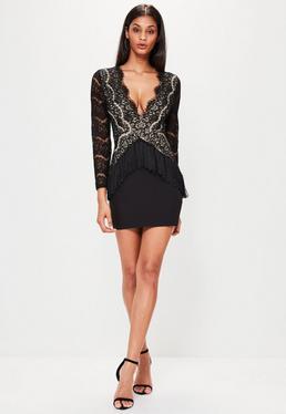 Langarm-Kleid mit Spitzen-Fransen V-Ausschnitt in Schwarz