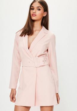 Kragen-Kleid mit breitem Gürtel in Rosa
