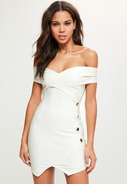 Biała bandażowa sukienka bardot z ozdobnymi guzikami