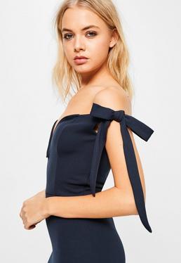 Vestido largo con escote corazón atado a los laterales en gasa azul marino
