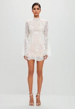 Peace + Love Biała koronkowa dopasowana sukienka mini z szerokimi rękawami