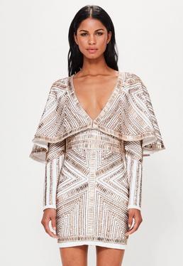Peace + Love Perlenverziertes Cape-Kleid in Gold