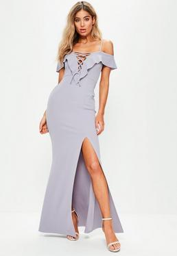 Fioletowa sukienka maxi z falbankami i wiązaniem na dekolcie