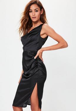 Czarna drapowana sukienka midi z rozporkiem z boku