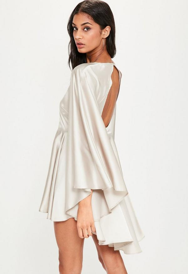 dfc277bae5 Bardzo Szara satynowa rozkloszowana sukienka z odkrytymi plecami i VE-14