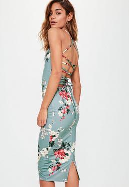 Szara sukienka midi w kwiaty z krzyżowanymi ramiączkami