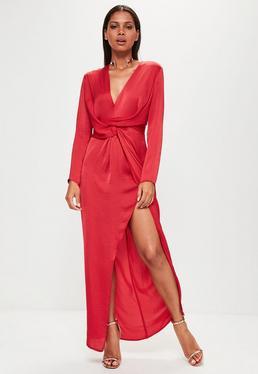Czerwona kopertowa sukienka maxi z rozporkiem po boku