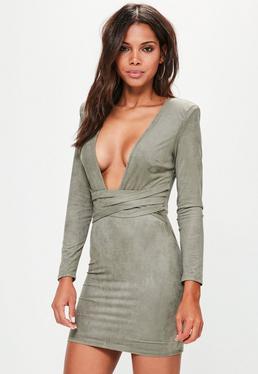 Tailliertes Langarm-Kleid aus Faux-Wildleder in Grün