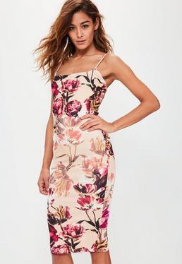 Różowa sukienka midi w kwiaty na ramiączkach