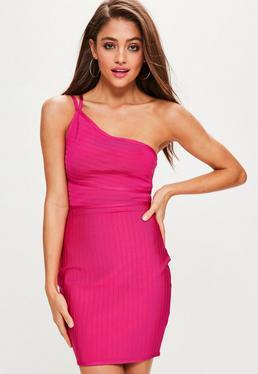 Vestido corto bandage con hombro descubierto en rosa