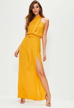 Vestido largo con cuello entrecruzado en amarillo
