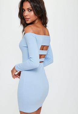 Vestido corto con escote bardot de tiras en la espalda en azul