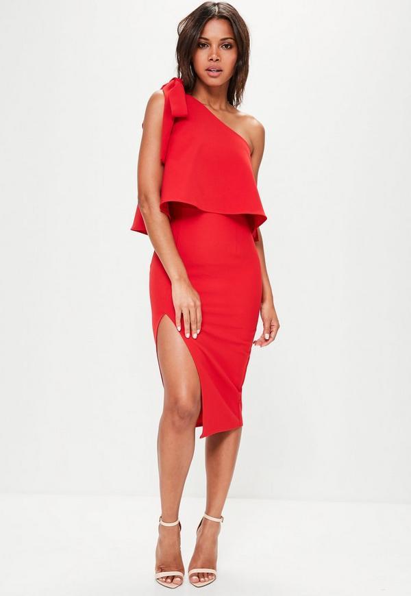 53cf04da58 Czerwona sukienka midi na jedno ramię z rozporkiem .